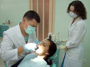 качественная стоматология в киеве, хирургическое лечение зубов